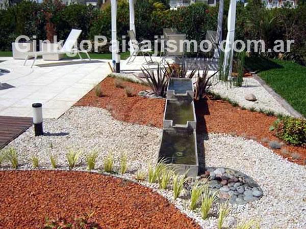 Ginkgo paisajismo jardines de bajo mantenimiento la - Jardines modernos con piedras ...